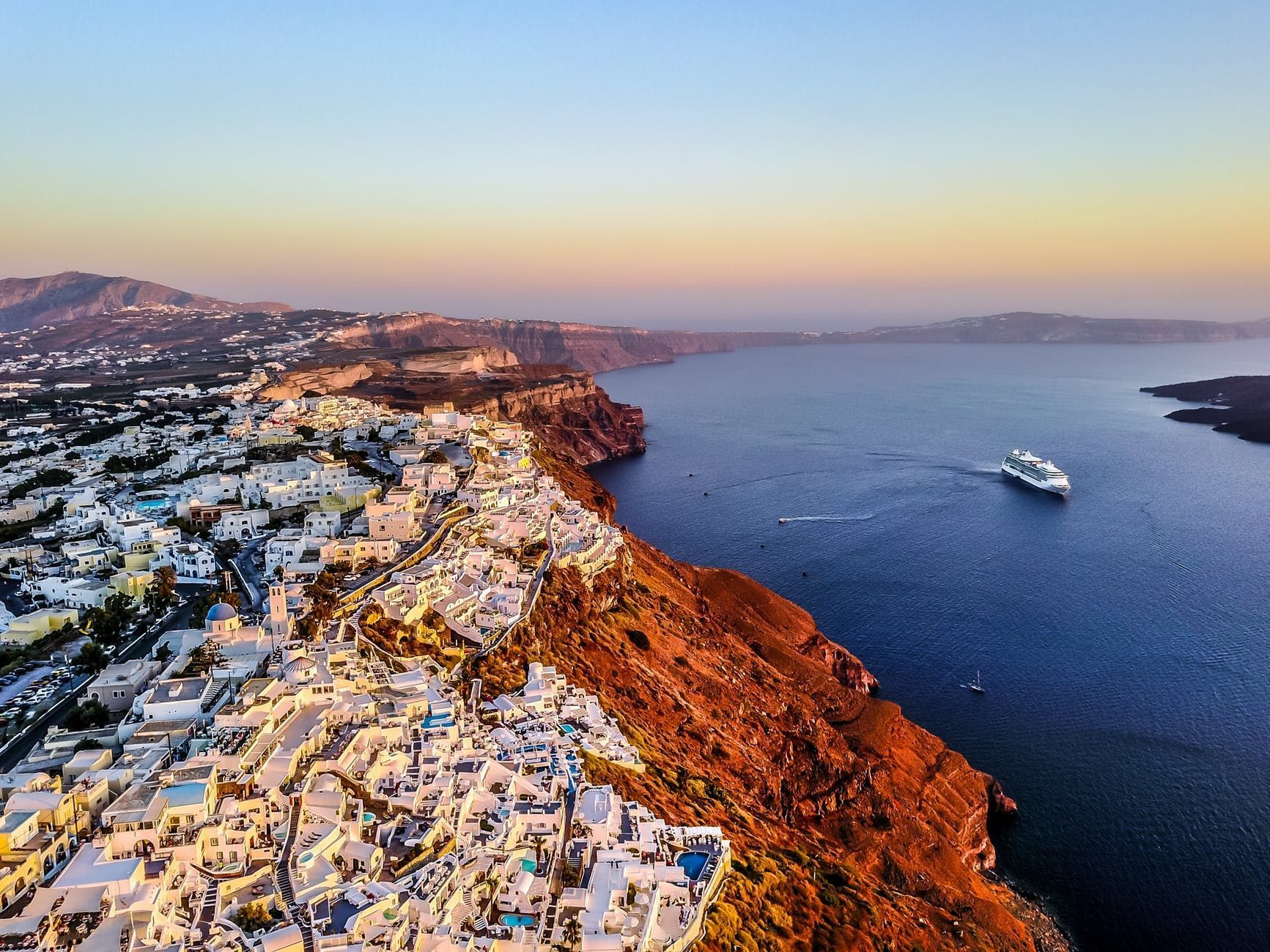 Some tips about ferries and cruises through the Greek Islands