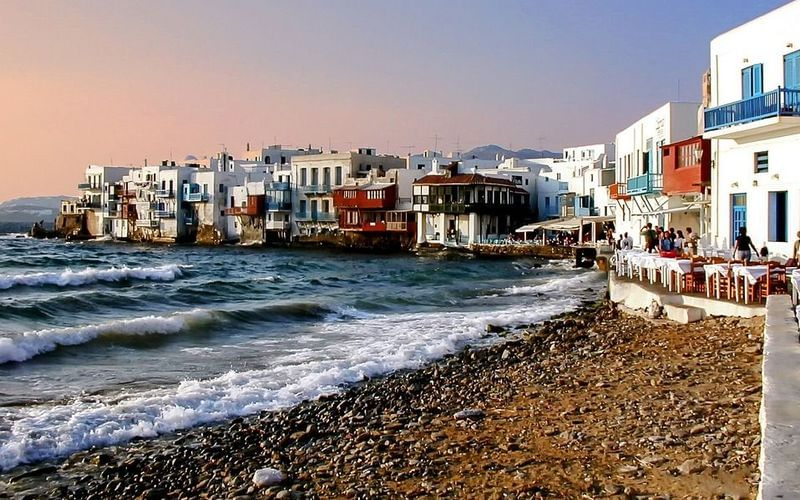 Mykonos mini guide: Beaches, restaurants, clubs, places of interest