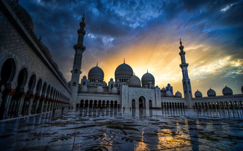 Qué ver en Abu Dhabi, la capital lujosa de los Emiratos Árabes Unidos