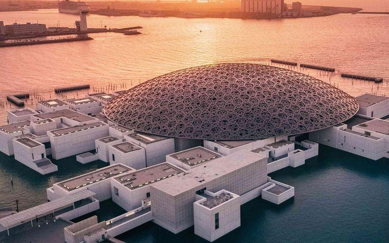 Todo sobre el Museo del Louvre en Abu Dhabi