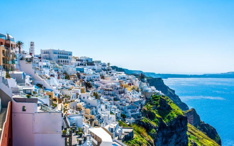 ¿Cuánto cuesta viajar a Santorini?